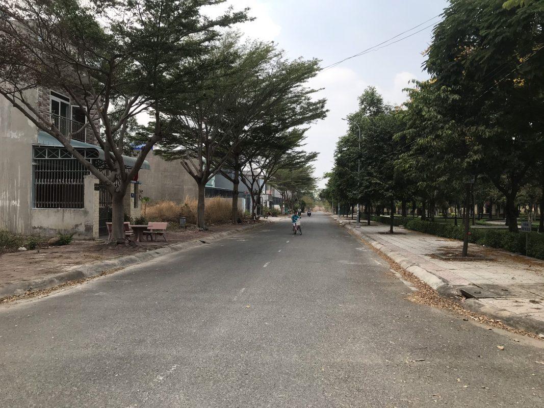 Góc khu công viên đất mặt tiền đường Cao Bá Quát